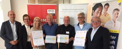 """Erste MINT-freundliche """"Digitale Schulen"""" im eco Hauptstadtbüro ausgezeichnet"""