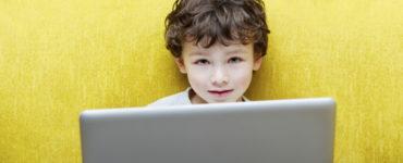 eco Umfrage Digitale Bildung: Mehrheit bestätigt - IT-Kompetenz wird immer wichtiger und muss sich in schulischer Ausbildung widerspiegeln