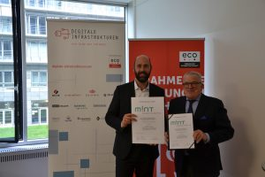 IT-Fachkräftemangel: Betreiber digitaler Infrastrukturen fördern MINT-Initiative