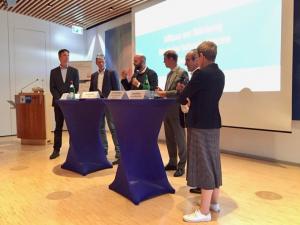 Diskussionsrunde mit Politik und Industrie im Rahmen der Digitalen Woche Kiel
