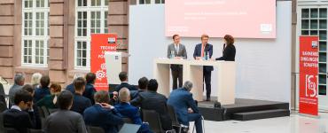 Mehrheit der deutschen Unternehmen überzeugt: Digitale Souveränität sichert Wirtschaftsstandort Deutschland 2