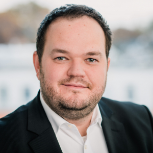 Dr. Sebastian Groß