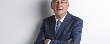Automobil und Internet werden eins – Interview mit Arndt G. Kirchhoff