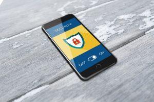 Unerwünschte Zugriffe auf das Smartphone verhindern: eco Verband gibt 7 Tipps