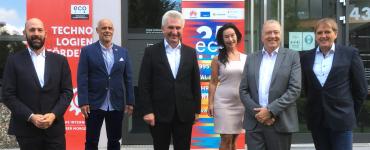 IKT-Sommertour: Minister Pinkwart zu Besuch