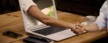 Virtuelles Onboarding: Ratgeber von eco und LinkedIn gibt 10 Tipps